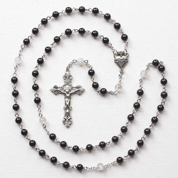 C様 オーダーメイド オニキス・ムーンストーン イエスの聖心のロザリオネックレス