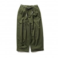 <font size=5>TBPR</font><br>BAGGY SLACKS<br>OLIVE<br><img class='new_mark_img2' src='https://img.shop-pro.jp/img/new/icons1.gif' style='border:none;display:inline;margin:0px;padding:0px;width:auto;' />