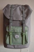 『Herschel Supply』<br>LITTLE AMERICA RUBBER<br>Gray/Foliage<img class='new_mark_img2' src='https://img.shop-pro.jp/img/new/icons47.gif' style='border:none;display:inline;margin:0px;padding:0px;width:auto;' />