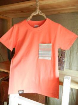 スウェーデン刺繍キッズTシャツ【 130cm(6~7歳)】『サーモンピンク×刺繍』【Tシャツ、半袖】キッズ夏メイドインジャ…