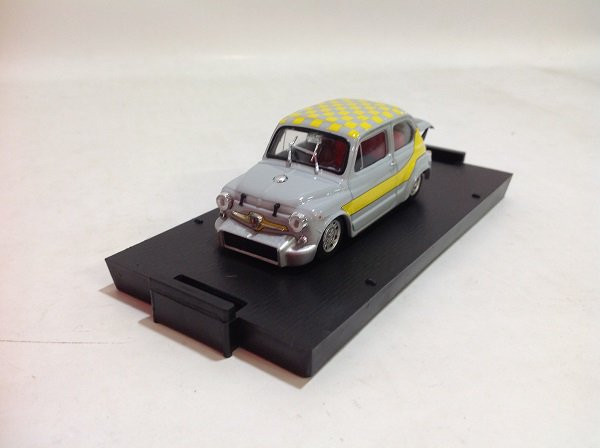 brumm製 1/43 Abarth 1000 BERLINA 1968 UFFICIALE GIALL