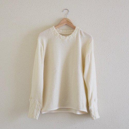 模様編みクルーネックセーター white
