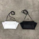 【在庫有】カガリユウスケ 何かのパーツ・ショルダーポーチ がま口バッグ ホワイト ブラック 都市型迷彩 kagariyusuke