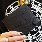 【受注】カガリユウスケ 二つ折り財布 スナップ付き ブラック 黒 black