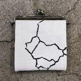 【ラスト1点】カガリユウスケ 何かのパーツ小銭入れ 亀裂彫り クラックホワイト 白壁