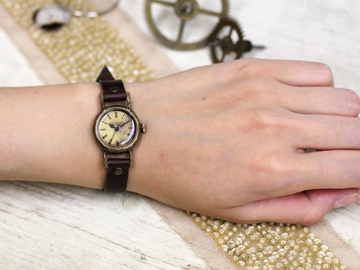 a18df507d6 アンティークなレディース腕時計 Classic Wristwatch SS|A STORY