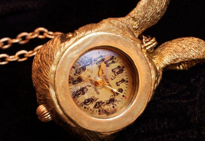 うさぎの時計