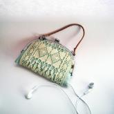 アンティークレースiPhone,iPodケース