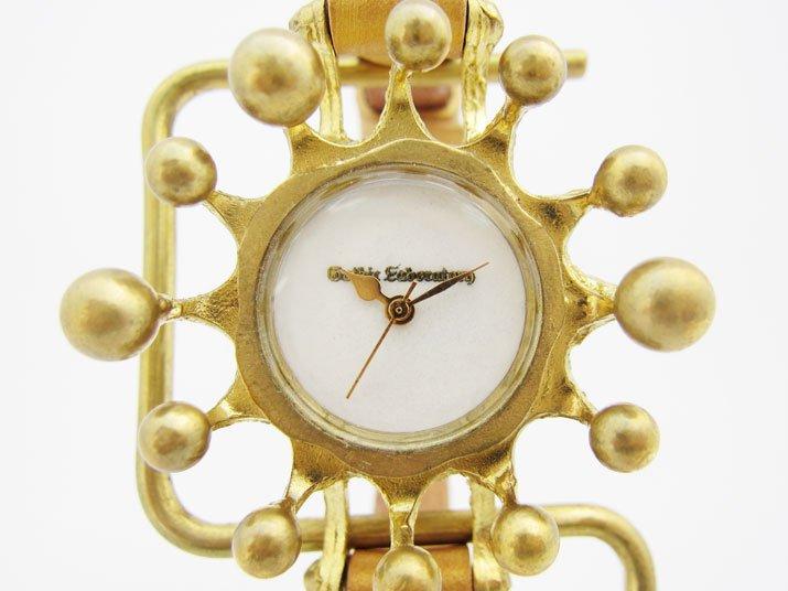 ガーリーな腕時計