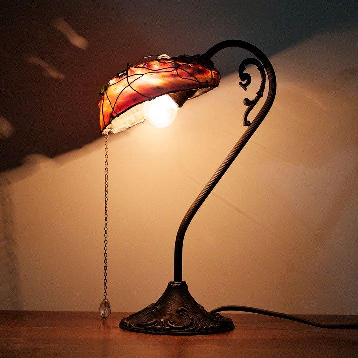 Mantam マンタム 「透過する溶け残された貝の残骸による照明器具」シェルランプ