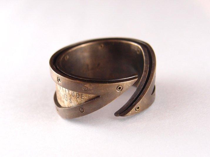 chord コード 太陽と月の手紙リング Letter Ring(真鍮)