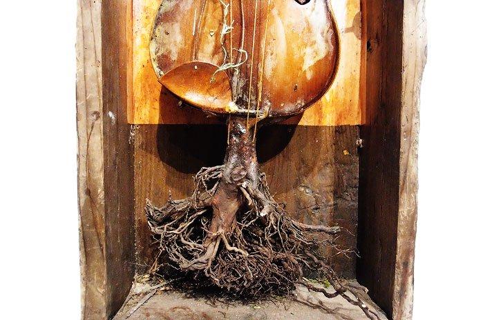 Mantam マンタム 「バイオリンは木に戻る」