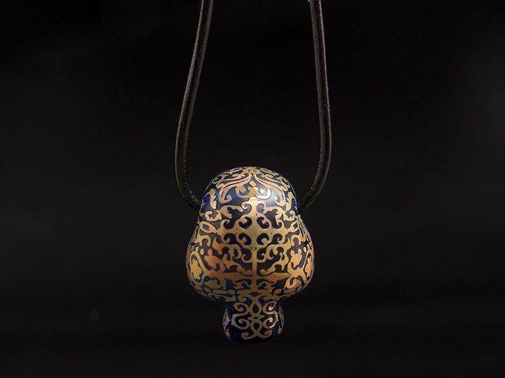 Caspol Glass カスポルグラス アンティーク模様のカラベラ ペンダント ブルー