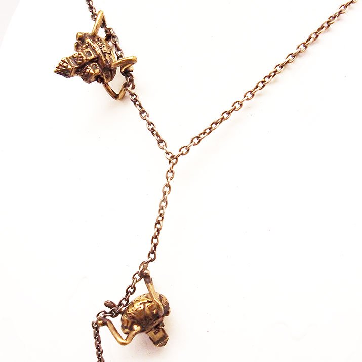 fillyjonk フィリフヨンカ Steampunk necklace スチームパンク32号 チェーンにしがみつくお家