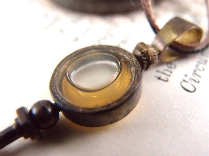chord コード 鍵ネックレス ハチミツ+サファイアガラス