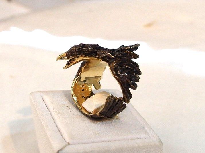 DECOvienya デコヴィーニャ 傷ついたカラスのリング ゴールド