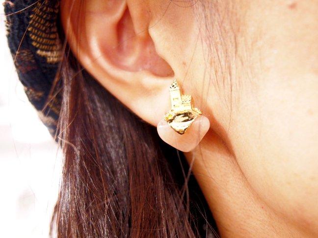 fFillyjonk フィリフヨンカ 小さなお家と天然石のイヤリング ピーチアベンチュリ (片耳)