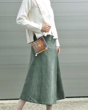 コーデュロイボタンスカート