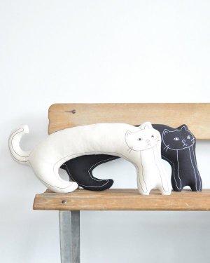プロイのネコのクッション(大)