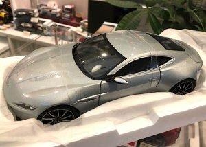 HotWheels Elite 1/18スケール「アストンマーティンDB10・007 SPECTRE ボンドカー」