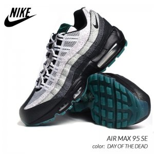 <img class='new_mark_img1' src='https://img.shop-pro.jp/img/new/icons47.gif' style='border:none;display:inline;margin:0px;padding:0px;width:auto;' />NIKE AIR MAX 95 SE